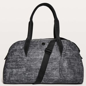 Large lululemon duffle bag